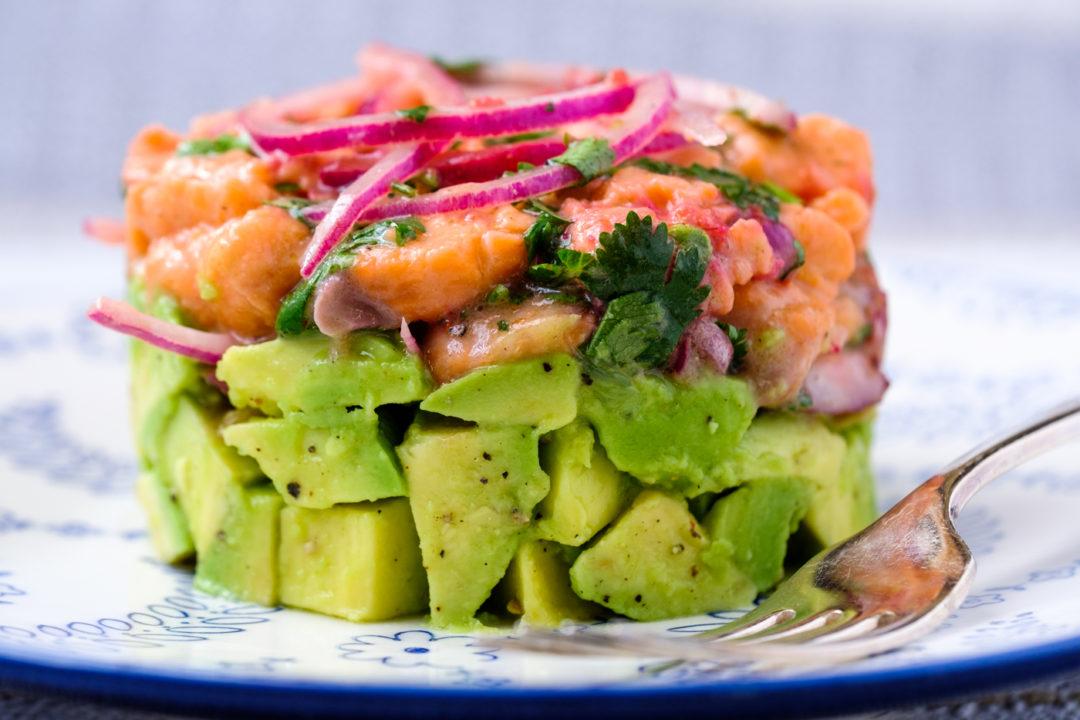 Lectin-free salmon avocado tartare