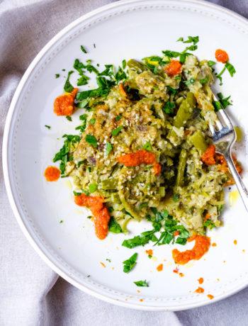 Casserole with asparagus, cauliflower rice and broccoli slaw