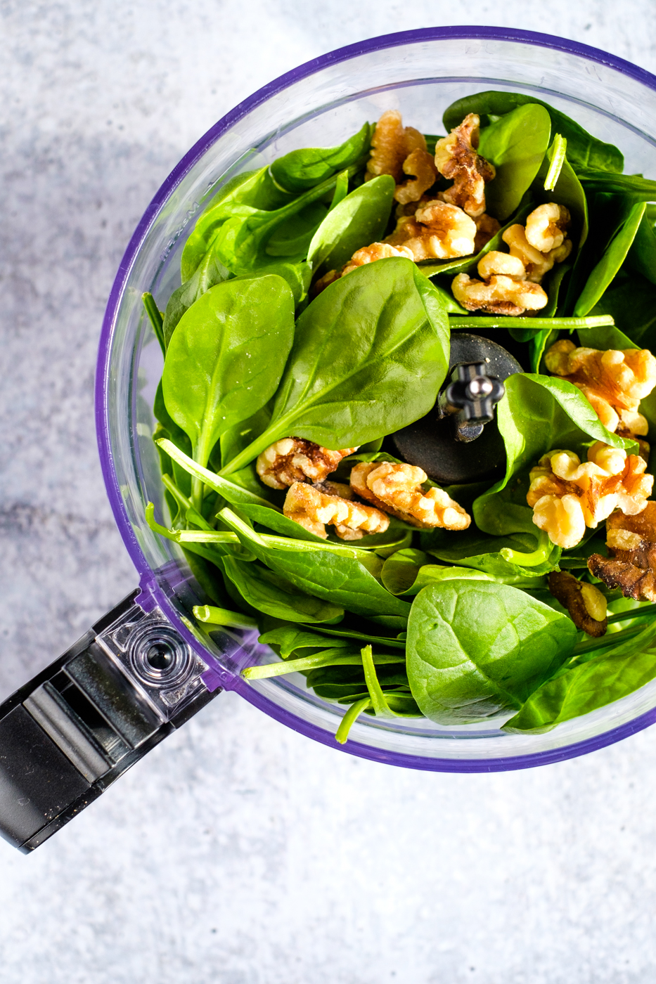 Spinach walnut pesto lectin free