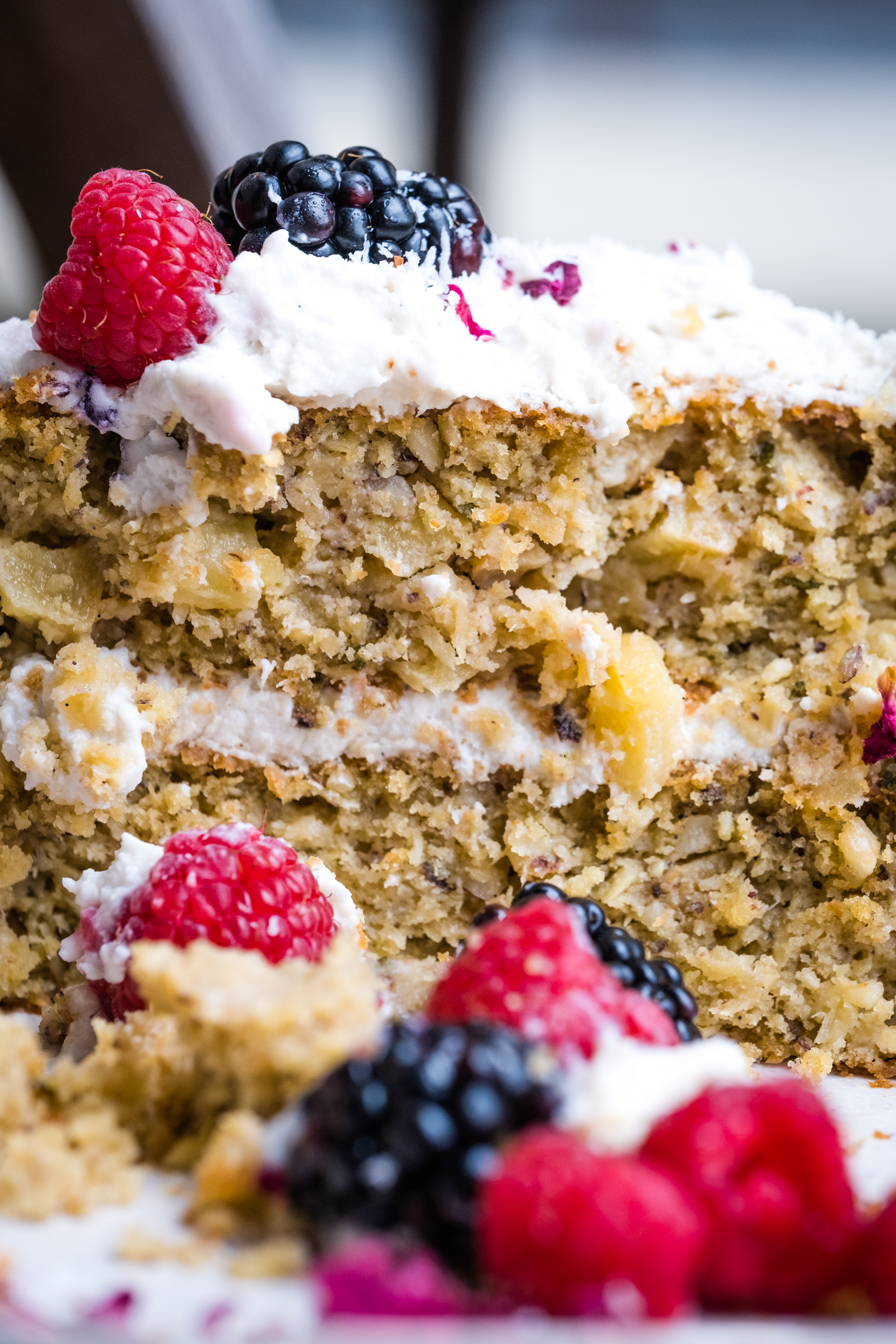 Parsnip cake with berries